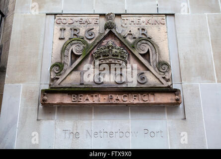 One of the old signs from Netherbow Port which once stood on the Royal Mile in Edinburgh.  The sign is now displayed - Stock Photo