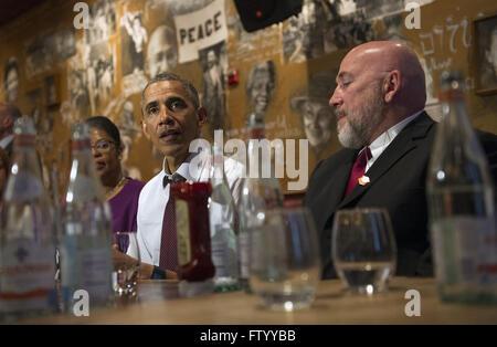 Washington, District of Columbia, USA. 30th Mar, 2016. United States President Barack Obama speaks to the media - Stock Photo