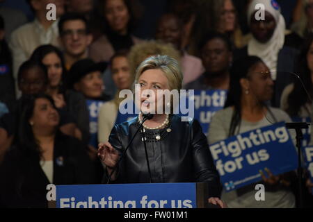 New York City, United States. 30th Mar, 2016. Hillary Clinton on stage at the Apollo Theater. Democratic primary - Stock Photo