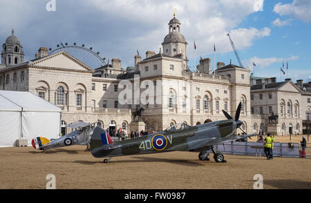 Full-size replica of a Second World War Spitfire LF Mk.XVI and First World War Sopwith Snipe exhibited at Horse - Stock Photo