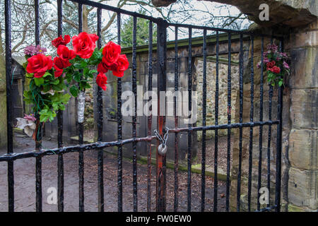 Gates in Greyfriars Cemetery in Edinburgh - behind these gates was the former historic Covenanters Prison. - Stock Photo