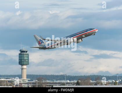 American Airlines Boeing 737-823 taking off from YVR Vancouver International Airport