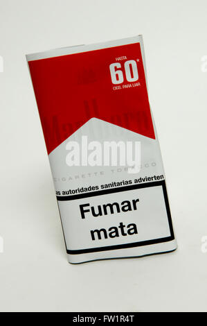 Can you buy blue Marlboro cigarettess in stores