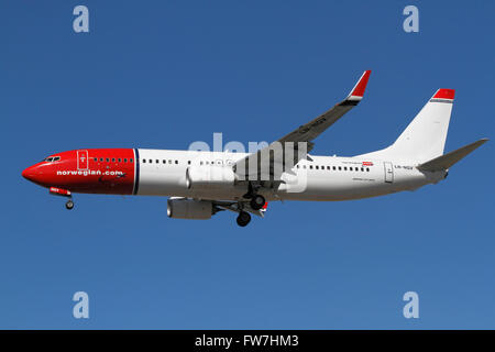 Norwegian , Boeing 737, LN-NGV, flight DY3643 from Nice on final approach to Kastrup Airport, CPH, Copenhagen, Denmark. - Stock Photo