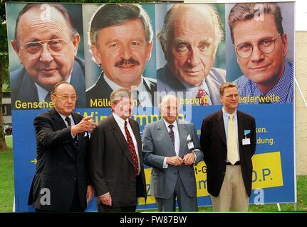 FDP honorary chairman Hans-Dietrich Genscher, FDP chairman of North-Rhine Westphalia Jürgen Möllemann, FDP honorary - Stock Photo