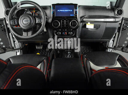Custom Jeep Wrangler Interior Images Galleries With A Bite