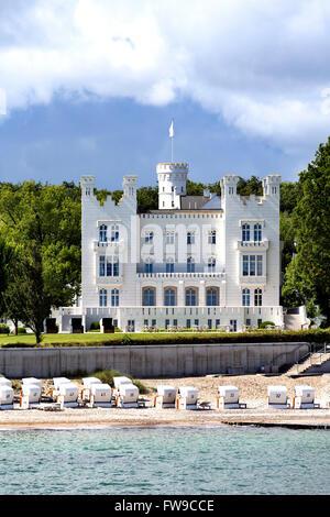 Haus Burg or Burg Hohenzollern, historic beach villa in the seaside resort Heiligendamm, now Grand Hotel, Bay of - Stock Photo