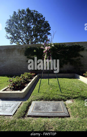 Celebrity final resting places - Forest Lawn Memorial Park Stock ...