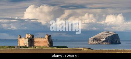 Tantallon Castle and Bass Rock panorama, East Lothian, Scotland. - Stock Photo