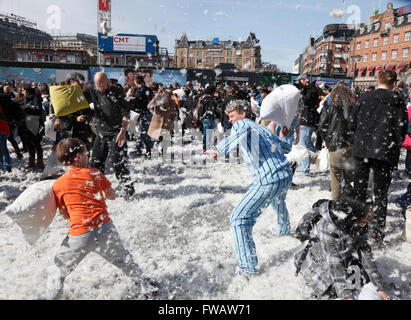 Copenhagen, Denmark, 2nd April, 2016. Massive pillow fights in the City Hall Square in Copenhagen on the 7th International - Stock Photo