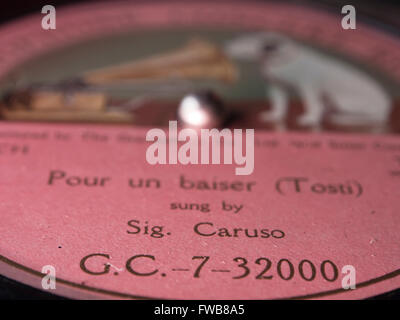Sig. Enrico Caruso legendary tenor opera singer 'Pour un Baiser', close up of vintage record label ca 1909 - Stock Photo