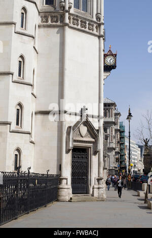 Front facade of the Royal Courts of Justice London - Stock Photo