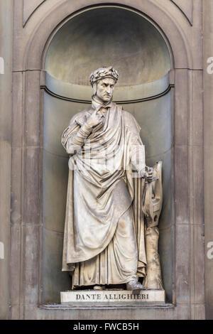 Florence, Florence Province, Tuscany, Italy.  Statue in Piazzale degli Uffizi of Florentine poet Durante degli Alighieri, - Stock Photo