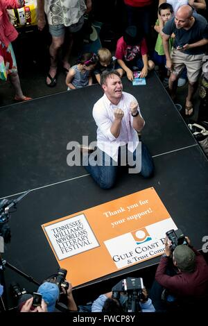 New Orleans, Louisiana, USA. 03rd Apr, 2016. GREG PAYNE, of Washington, DC, emotes his way to fifth place in the - Stock Photo