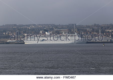 CMV cruise ship Magellan docked in Dundee Scotland  3rd April 2016 - Stock Photo
