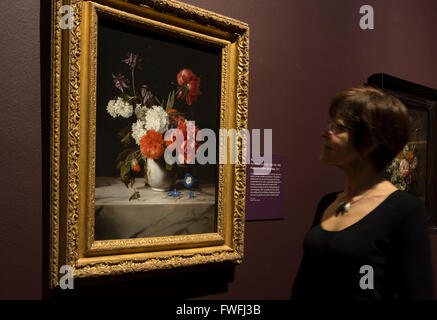 National Gallery, London, UK. 5th April, 2016. Betsy Wiseman, Curator of Dutch and Flemish Paintings, examines Flowers - Stock Photo