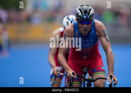12.06.2016. Leeds City Centre, Leeds, England. ITU Columbia Threadneedle World Triathlon Leeds. Javier Gomez Noya. - Stock Photo