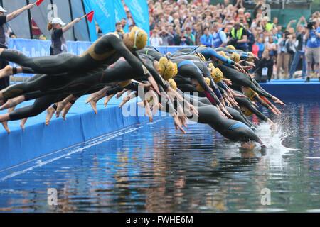 Leeds, UK. 12th June 2016. Elite Women enter the water Credit Dan Cooke/ Alamy Live News - Stock Photo