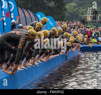 Leeds, UK. 12th June, 2016. Elite men starting the open water swim in the first leg of the WTS Triathlon at Leeds, - Stock Photo