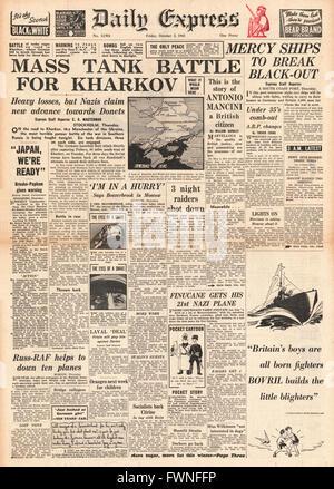 1941 front page Daily Express Tanks Battle at Kharkov - Stock Photo