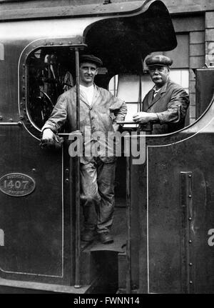 Southern Railway N Class 2-6-0 No 1407 built at Ashford Works in 1933. - Stock Photo