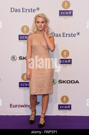 Berlin, Germany. 07th Apr, 2016. Swedish singer Zara Larsson arrives to the 25th Echo music award ceremony in Berlin, - Stock Photo