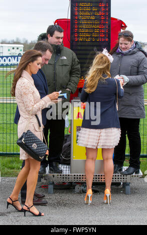 Liverpool, Merseyside, UK 7th April, 2016. Grand National Ladies first Day at Aintree. In light of previous years, - Stock Photo