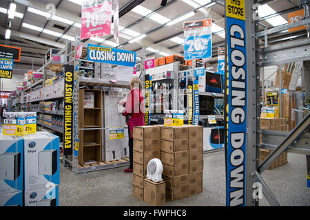 Shop closing down everything must go stock photo 20906318 alamy everything must go a woman shopping for bargains inside a branch of bq b solutioingenieria Gallery