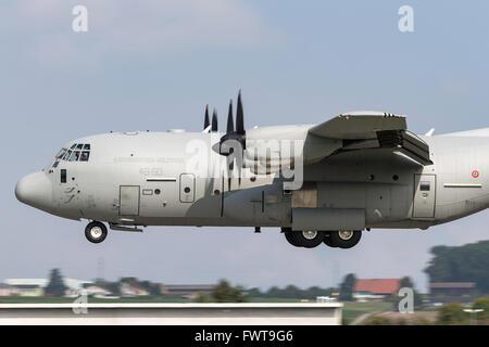 Italian Air Force (Aeronautica Militare Italiana) Lockheed Martin C-130J Hercules military transport aircraft MM62185 - Stock Photo