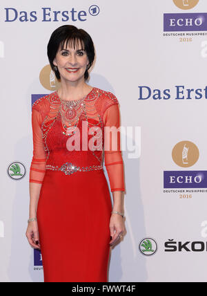 Berlin, Germany. 07th Apr, 2016. Irish singer Enya arrives to the 25th Echo music award ceremony in Berlin, Germany, - Stock Photo