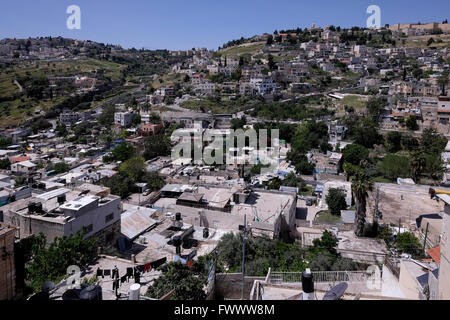 Jerusalem, Israel. 7th April, 2016. General view of the Palestinian neighborhood of Silwan located on the slopes - Stock Photo