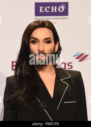 Berlin, Germany. 07th Apr, 2016. Travestie artist Conchita Wurst arrives for the 25th award show for the German - Stock Photo