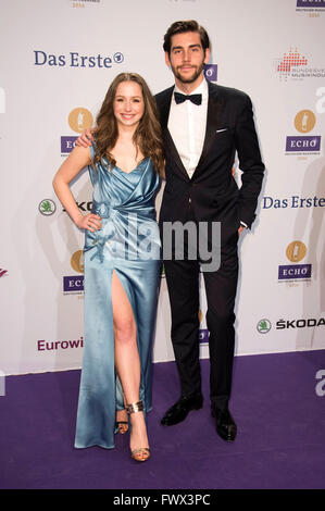 Senta-Sofia Delliponti ( Oonagh ) und Alvaro Soler at the ECHO Award 2016 in Berlin, , 07.04.2016 © dpa picture - Stock Photo