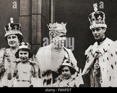 King George VI and his wife Queen Elizabeth seen here on the balcony at Buckingham Palace, London, England the day - Stock Photo