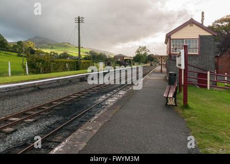 The Bala Lake narrow gauge steam railway station at Llanuwchllyn - Stock Photo