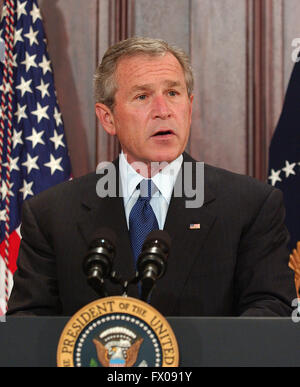 Washingon, D.C. - April 20, 2005 -- United States President George W. Bush makes remarks and signs the Bankruptcy - Stock Photo
