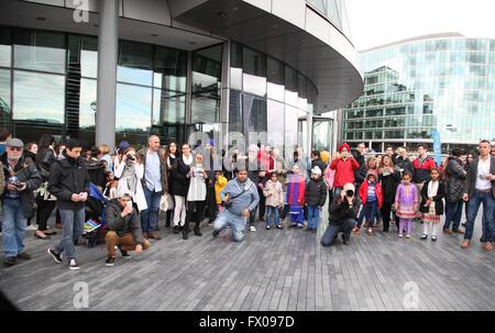 City Hall, London, UK. 9 April 2016. Sikhs  from all over the UK celebrates festival of Vaisakhi, (Sikhs' New Year) - Stock Photo