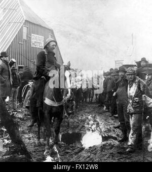 PACK TRAIN ON WAY TO KLONDIKE SHEEP CAMP GOLD GOLD