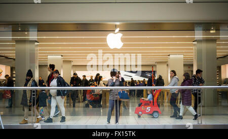 An Apple store in the Queens Center Mall in New York on Friday, April 8, 2016. (© Richard B. Levine) - Stock Photo