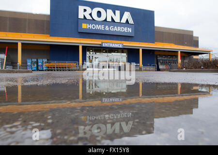 Lowe S Home Improvement Center Warehouse Store With Lawn