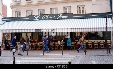 Le Saint Jean bar Cafe Montmartre Paris - Stock Photo