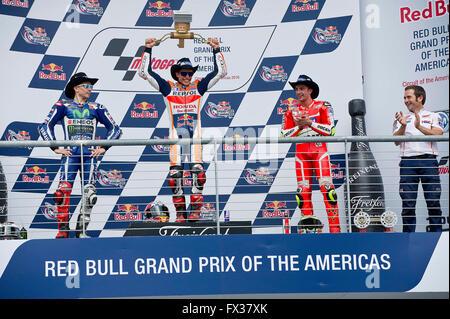 Austin, Texas, USA. 10th April, 2016. Jorge Lorenzo #99 Movistar Yamaha MotoGP, Marc Marquez #93 with Repsol Honda - Stock Photo
