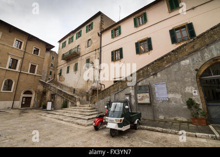 Narrow streets in the old medieval town of Pitigliano - Grosseto, Italy, Europe - Stock Photo