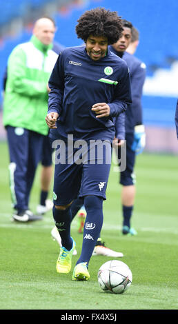 Madrid, Spain. 11th Apr, 2016. Wolfsburg's Dante attends a training session in Madrid, Spain, 11 April 2016. Real - Stock Photo