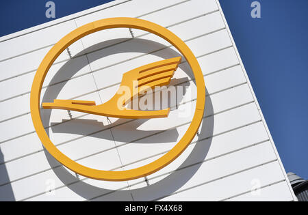 Munich, Germany. 04th Apr, 2016. The logo of German air carrier Lufthansa pictured on a building of the airport in Munich, Germany, 04 April 2016. Photo: ANDREAS GEBERT/dpa/Alamy Live News
