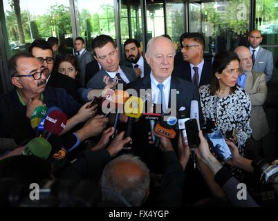 Damascus. 11th Apr, 2016. United Nations envoy to Syria Staffan De Mistura(C) speaks to the media in Four Seasons - Stock Photo