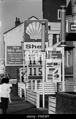 Archive image of a Shell petrol station showing the price of 2 star petrol at £1.14 per gallon and 3 star at £1.15 - Stock Photo