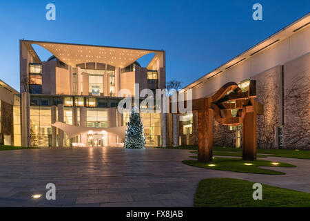The Bundeskanzleramt, Federal Chancellery, Chistmas tree, Tiergarten, Berlin - Stock Photo