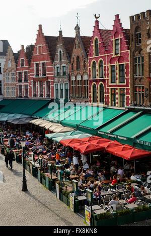 Cafés and historic buildings in the main square (Markt) in Bruges (Brugge), Belgium.  UNESCO World Heritage Site - Stock Photo