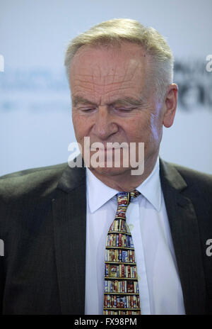 London, UK. 12th April, 2016. Jeffrey Archer giving a talk at the English PEN Literary Salon at the London Book - Stock Photo